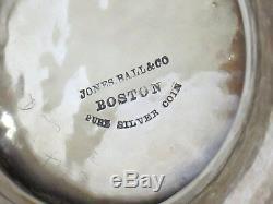 12,25 Coin Argent Jones Ball & Co. Antique 1845 Raisin Motif Pichet Eau