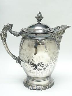 Impressionnant C. 1868 Ornate Meriden Britannia Co. Ceramique Doublure Ice Eau Pitcher