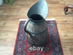 Pays Antique Chêne Brass Pitcher À Eau Bagué Vin Jug