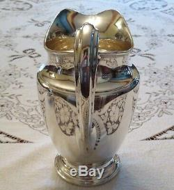 Tiffany & Co. Makers Sterling Silver 4 1/2 Pinte Pitcher Eau # 22625