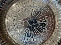 Tufts Lion Plaque D'argent Eau Pitcher Stand Et Cup - Incredible Design